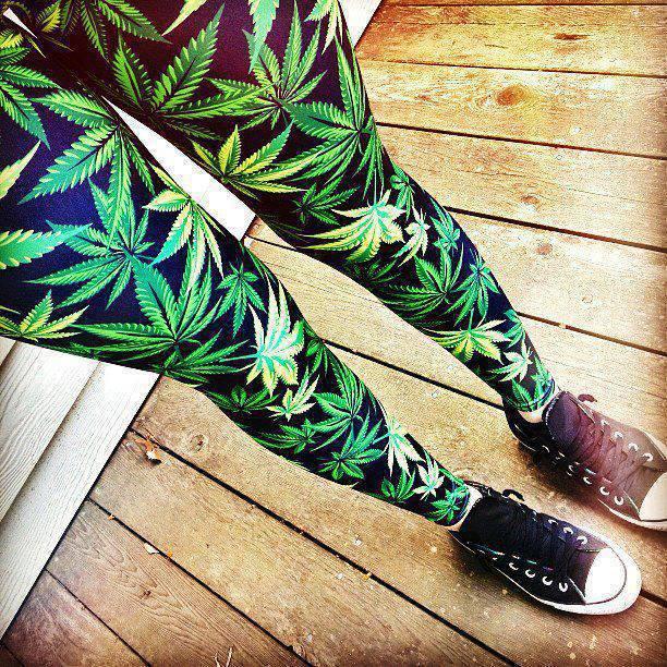 leginsy-marihuana-liscie